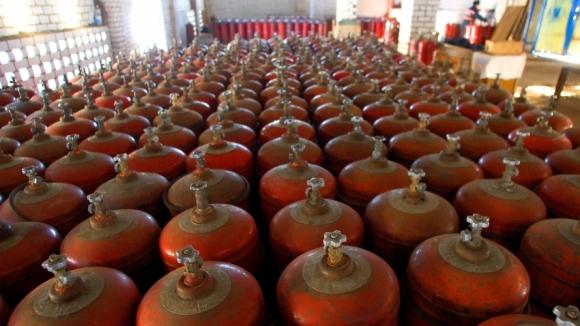 Огромное количество металлических газовых баллонов в обороте по стране